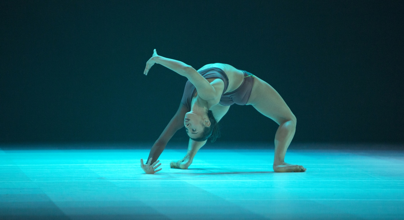 Atomos by Wayne McGregor - production shot. Photo by Ravi Deepres