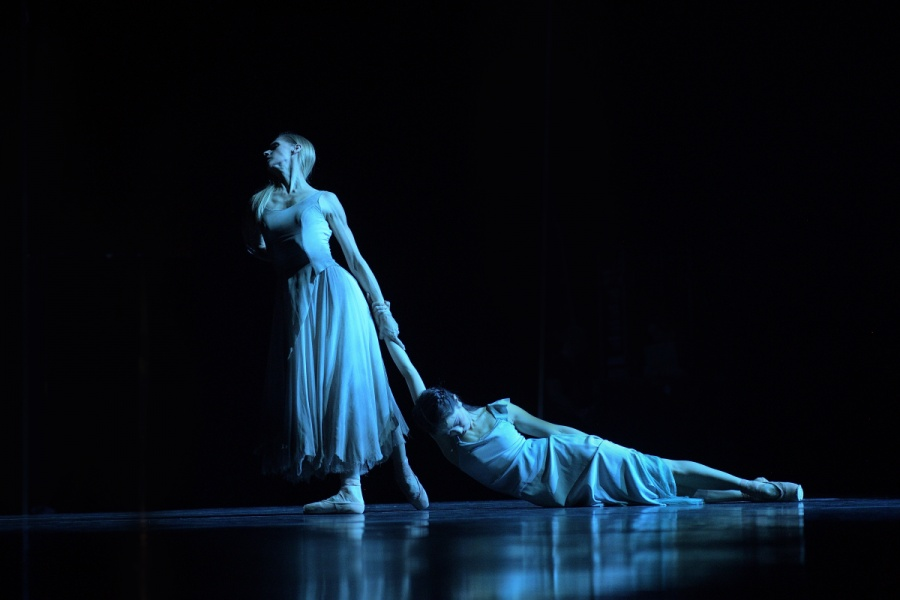 Stina Quagebeur and Erina Takahashi in Akram Khan's Giselle pic: Laurent Liotardo